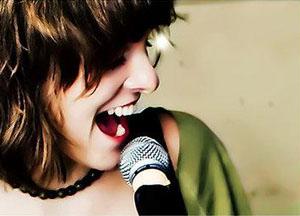 Imparare a cantare con i corsi di canto online