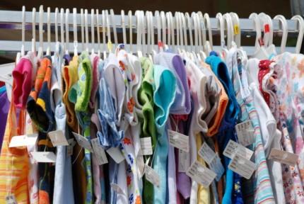 Negozi di vestiti usati per bambini vendita di abiti usati for Vestiti usati in regalo